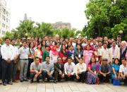 Gropu photo of seminar participants in the grounds of Hotel Shanker