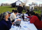Panguipulli Public Library trained farmers in the fields rather than in their homes because internet connectivity was better out of doors (photo taken back in 2010).