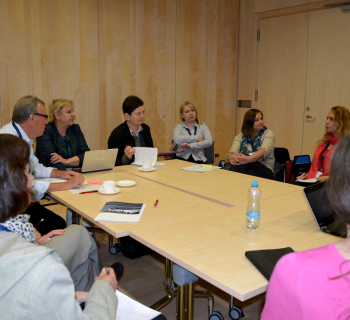 Iryna Kuchma, EIFL Open Access Programme Manager facilitates a cafe-type discussion at the FOSTER/PASTEUR4OA workshop 'Open Access Policy for Europe: the Implications for European Research Libraries'.